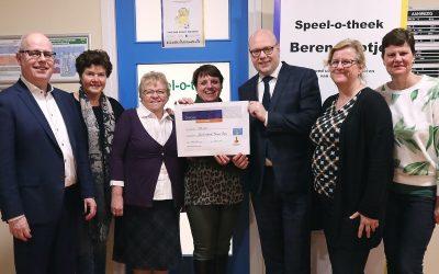 Berend Botje dankbaar voor schenkingen Rabobank Capelle aan den IJssel.